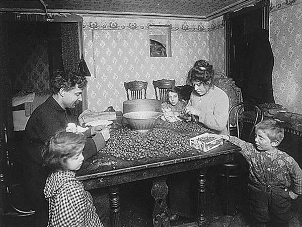 Image kitchen scene 1890s