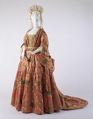 Mantua of 1708 now in Metropolitan Museum of Art