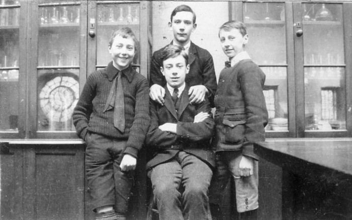FOUR LADS IN LAB (CASS'S)
